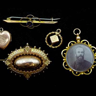 Sell-Your-Gold-Brooches